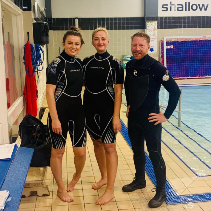 Maddie and Kristine from Northern Diver at a Chorley BSAC Try-Dive session with their BSAC instructor
